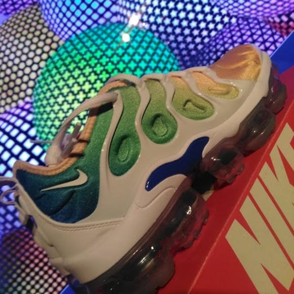 96c46eb1af NIKE VAPORMAX PLUS Shoes | Light Menta | Poshmark